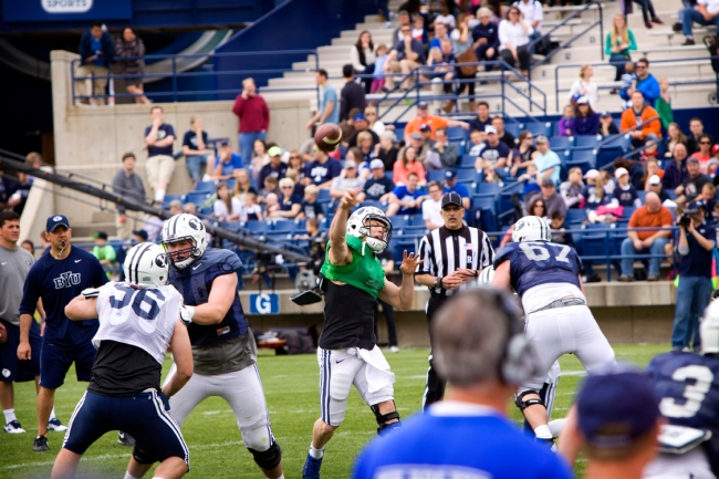 Taysom Hill throwing a touchdown
